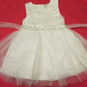 Available til 2/25 Trish Scully white dress 3t